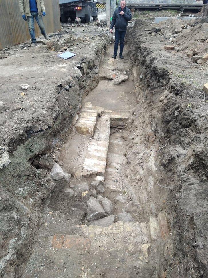 У центрі Запоріжжя знайдено фундамент торговища середини ХІХ сторіччя_1