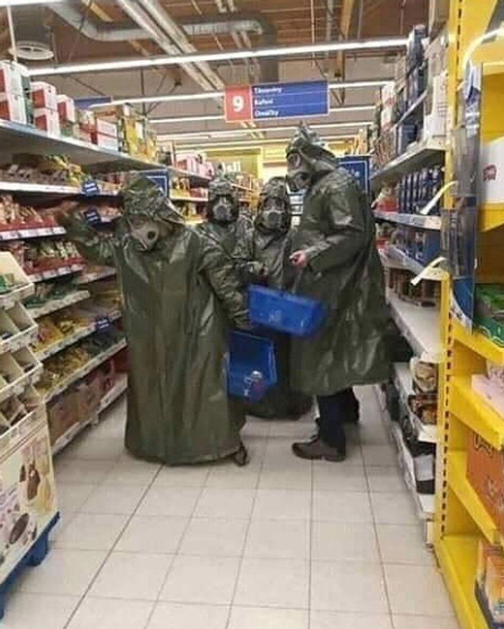 Мешканці Естонії у паніці спустошують крамниці через коронавірус_1