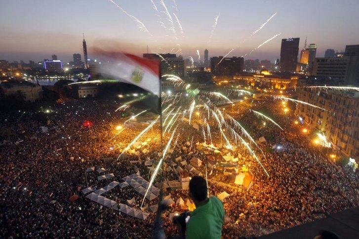 Сфінкси на площі Тахрір для влади Єгипту наче «йолка» на Майдані для Януковича_1