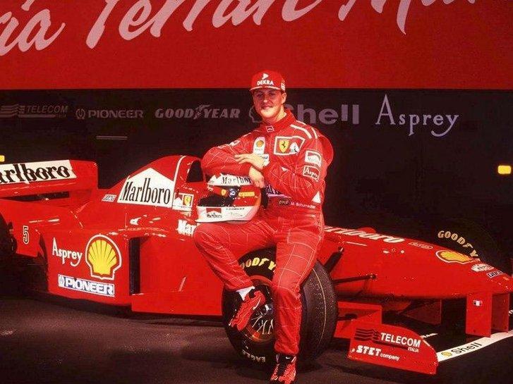 М. Шумахер на фоні F310B, 1997 рік