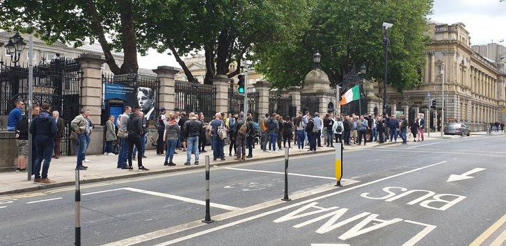 Патріотична громадськість Ірландії виступила проти узаконення педофілії_2