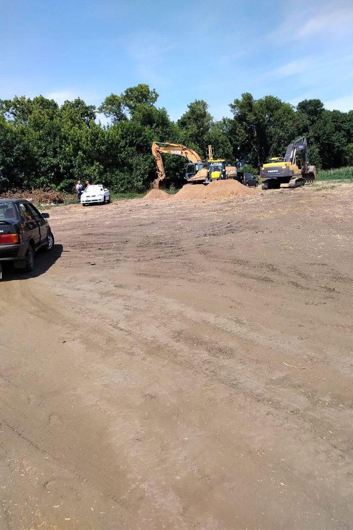 Мешканці села Пащенки закликали Синєгубова зупинити незаконний видобуток корисних копалин_3