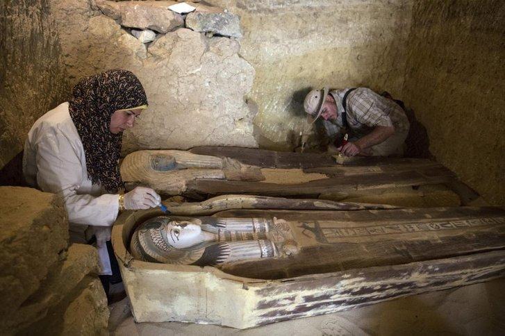 В єгипетській Сахарі виявлено нову гробницю, вік якої понад 2000 років_1