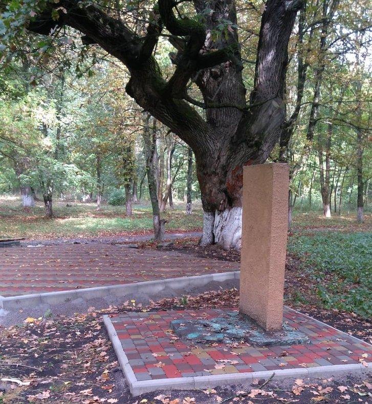 У Семенівському районі оновили парк імені байкаря Глібова_1
