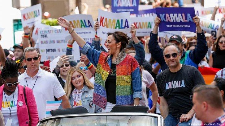 Віцепрезидентом США може стати ультраліберальна жінка, виборчий штаб якої очолювала лесбіянка_1