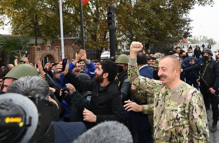 Подружжя Алієвих відвідало звільнений Карабах_3