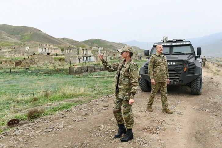 Подружжя Алієвих відвідало звільнений Карабах_5