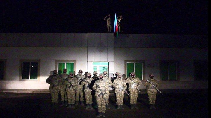 Азербайджанські війська увійшли у звільнене від окупантів місто Лачин_1