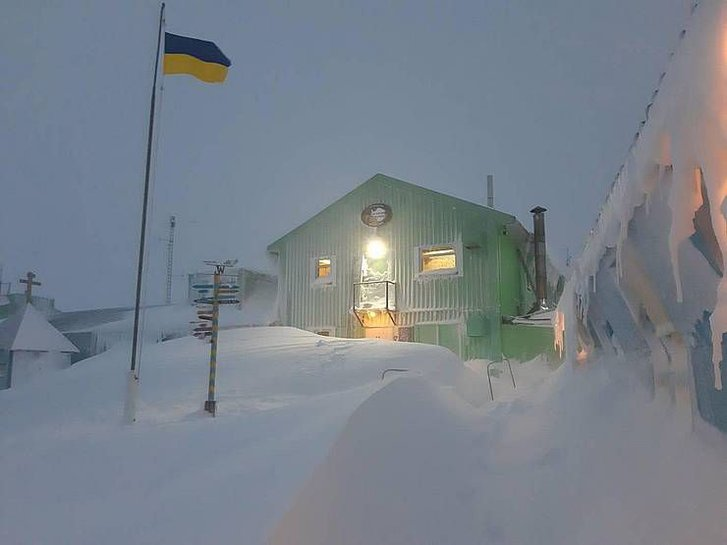 Українці в Антарктиді святкують Новий рік у розпал літа_1