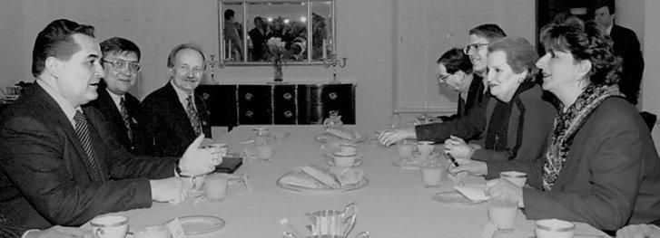 Є. Марчук і В. Чорновол на зустрічі з держсекретарем СШАМадлен Олбрайт (Київ, 1998 рік)