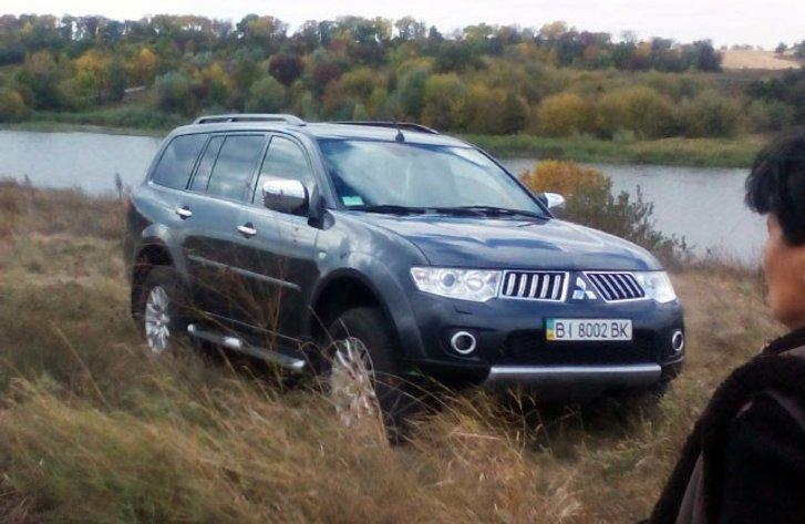 Mitsubishi Pajero Sport Івана Сидоренка на місці крадіжки врожаю