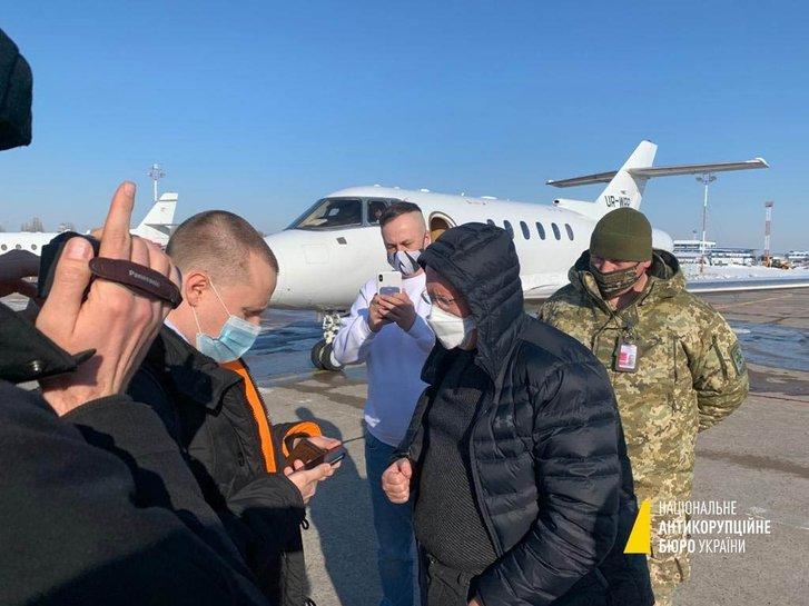 В Борисполі, під час спроби залишити країну, затримали топфігуранта у справі ПриватБанку_3