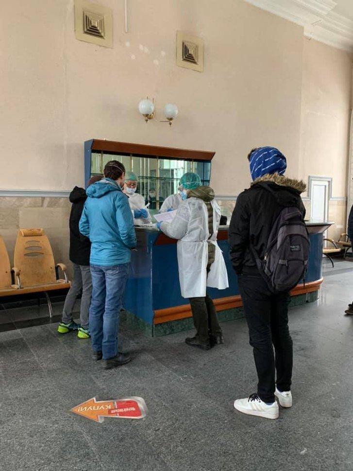 На вокзалі в Полтаві тестуватимуть на коронавірус_2