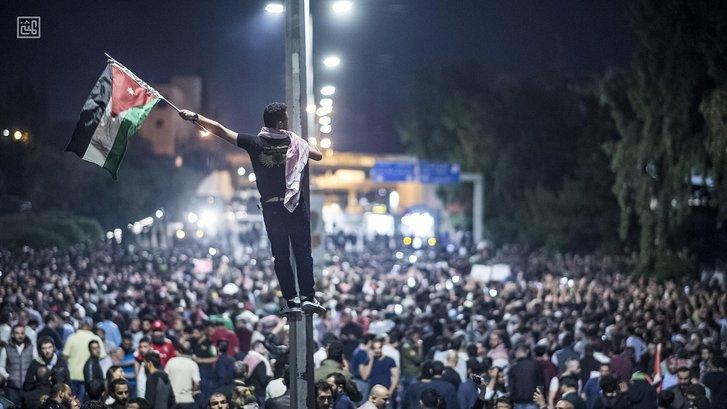 Йорданію охопили антиковідні протести, королівська влада застосовує силу проти громадян_1