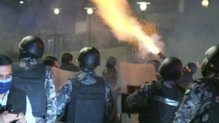 Йорданію охопили антиковідні протести, королівська влада застосовує силу проти громадян_2