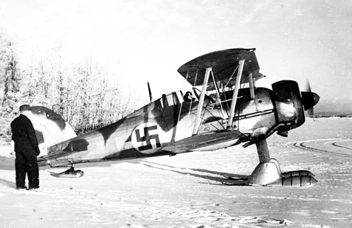 Шведський доброволець-летун на околиці прикордонного фінляндського містечка Кемі (10 січня 1940 року)