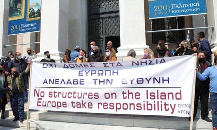 Невдоволені греки протестують проти будівництва нових таборів для нелегалів (29.03.2021)