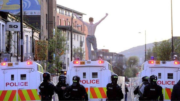 Ірландці Ольстеру протестують проти жорсткого британського карантину_1