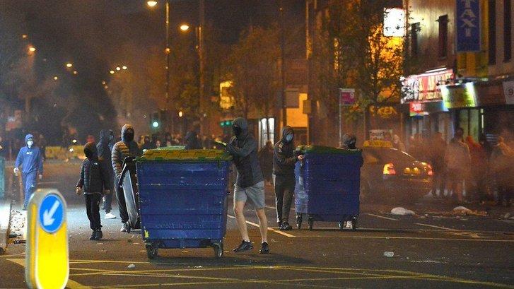Ірландці Ольстеру протестують проти жорсткого британського карантину_3