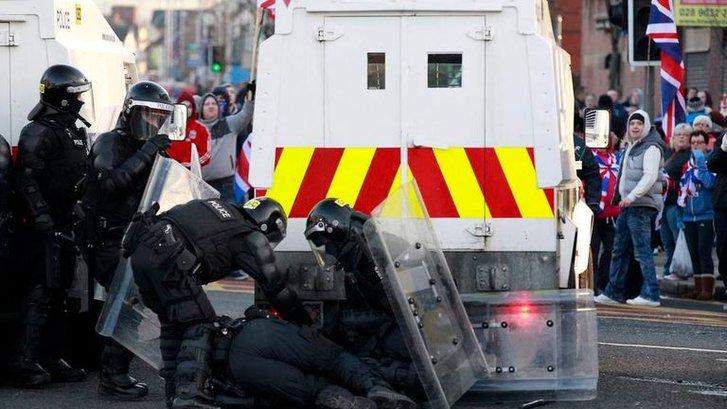 Ірландці Ольстеру протестують проти жорсткого британського карантину_2