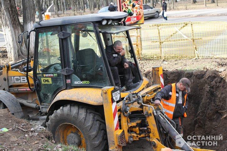 Біля місця загибелі двірнички в Полтаві замінять 200 м трубопроводу_5