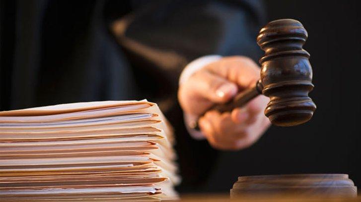 Шило на мило: Зеленський замість окружного суду Києва пропонує створити Київський окружний суд_1