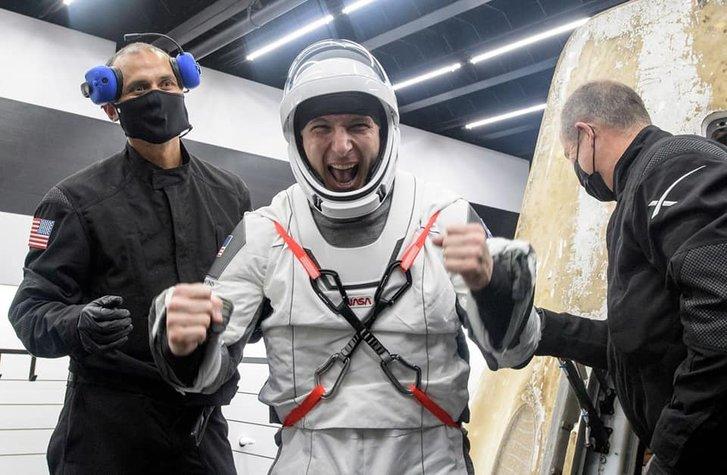 Астронавти місії Crew-1 успішно повернулися на Землю_3