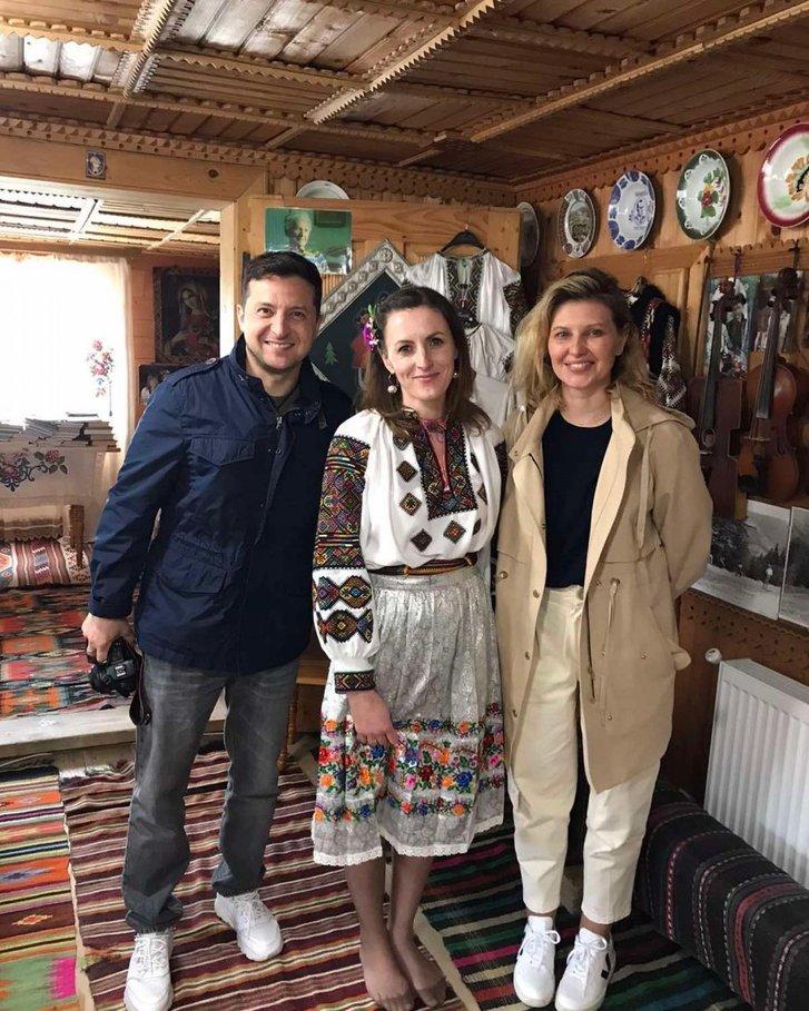 Подружжя Зеленських проводить великодні вихідні у Карпатах