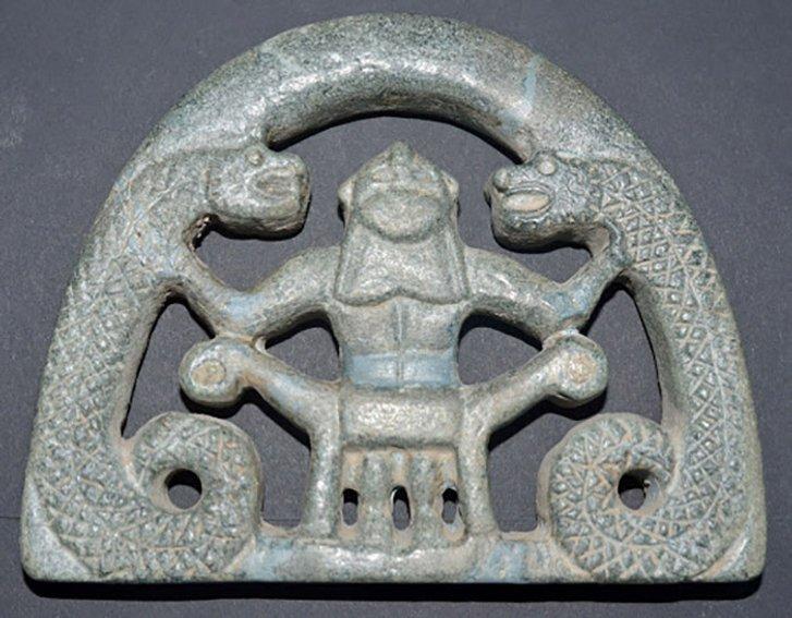 При розкопках, незважаючи на руйнування, було виявлено безліч дивовижних артефактів.