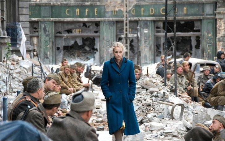 Кадр з філльму «Безіменна – одна з жінок в Берліні»