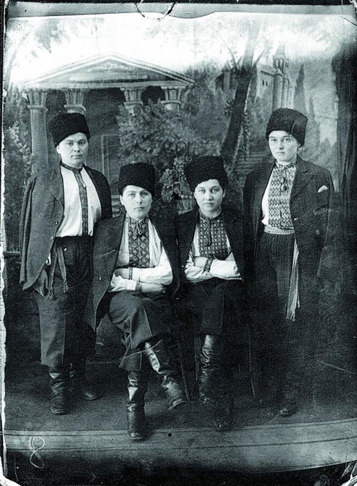Жінки із Західної України в таборі у селі Черновські Копі біля Чити, 17 січня 1950 року.