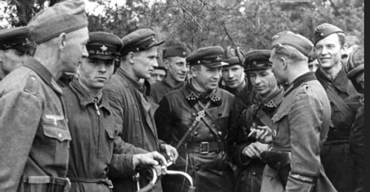 Українцям варто відмовитися від відзначення 9 травня – професор Петро Кралюк_7