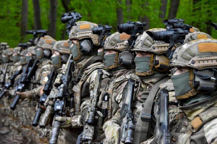 Бійці ССО у Холодному Яру освятили зброю на ворога_2