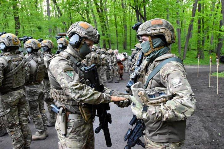 Бійці ССО у Холодному Яру освятили зброю на ворога_3