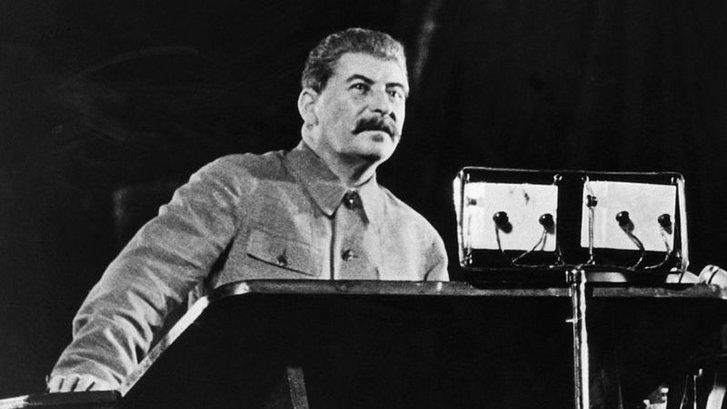 2 квітня 1944-го року Державний комітет оборони, на чолі зі Сталіним, ухвалив постанову про виселення кримських татар до Узбекистану.