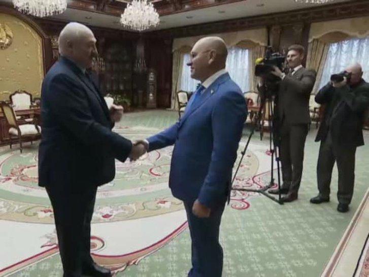 Чому я вважаю що президент Зеленський підтримує режим Лукашенка?_3