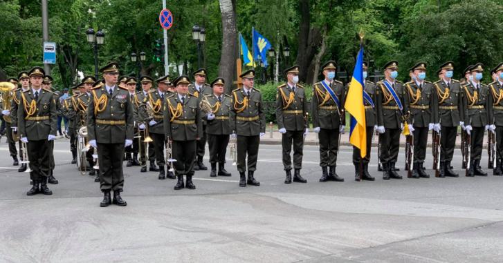 Роздуми під час прощання з генералом Віктором Гвоздем_1
