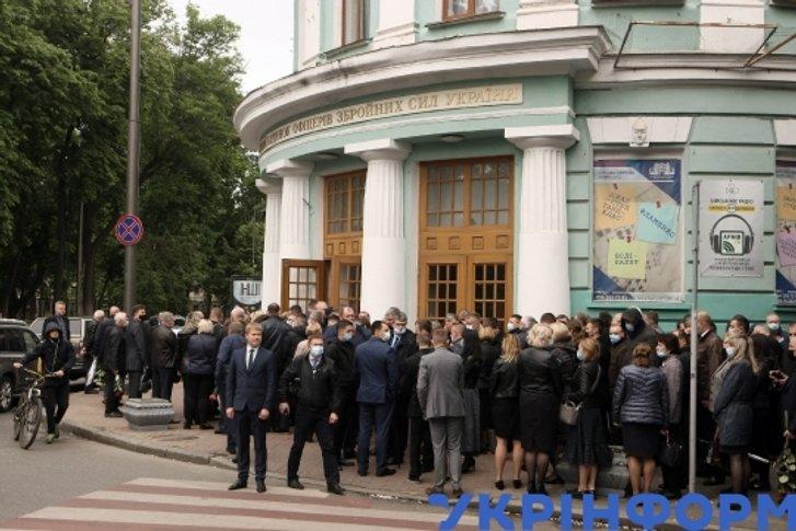 Роздуми під час прощання з генералом Віктором Гвоздем_3