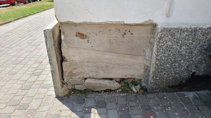 Стан фасаду пам'ятки архітектури під егідою ЮНЕСКО