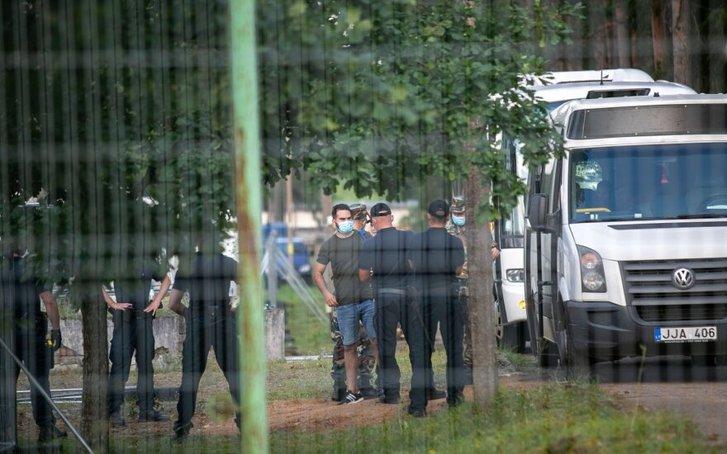 Литовські прикордонники затримують нелеґалів на межі з Білоруссю