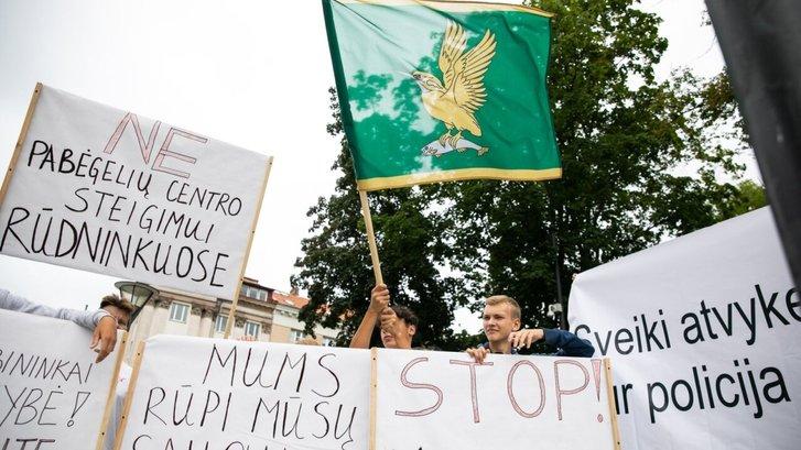 Литовські громадяни вимагають від уряду країни депортувати нелеґалів