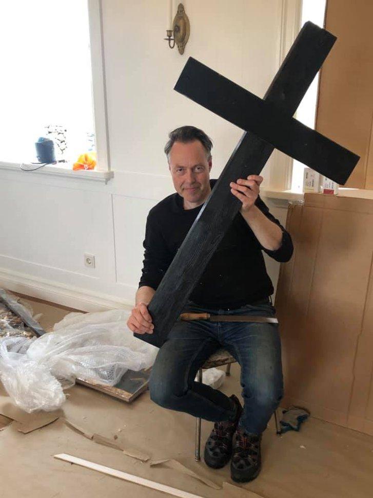 Український художник оздобив в Ісландії церкву_2