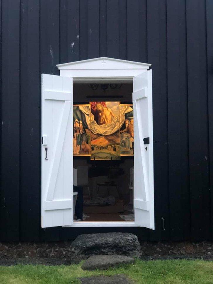 Український художник оздобив в Ісландії церкву_4