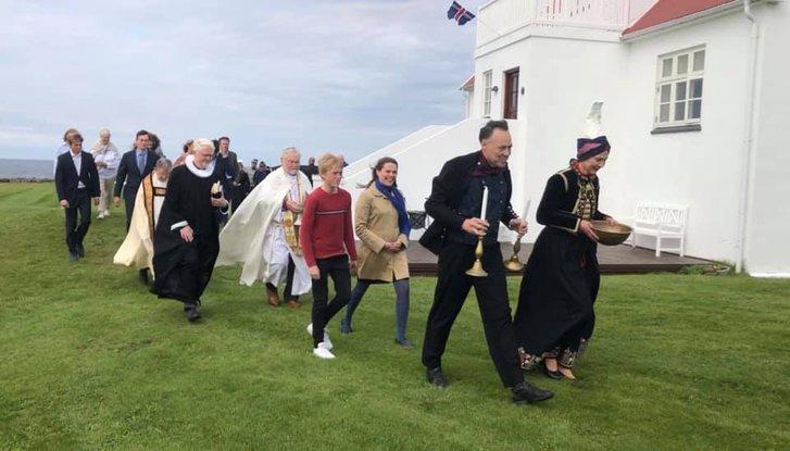 Український художник оздобив в Ісландії церкву_5