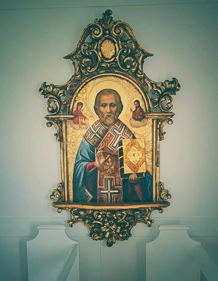 Український художник оздобив в Ісландії церкву_7