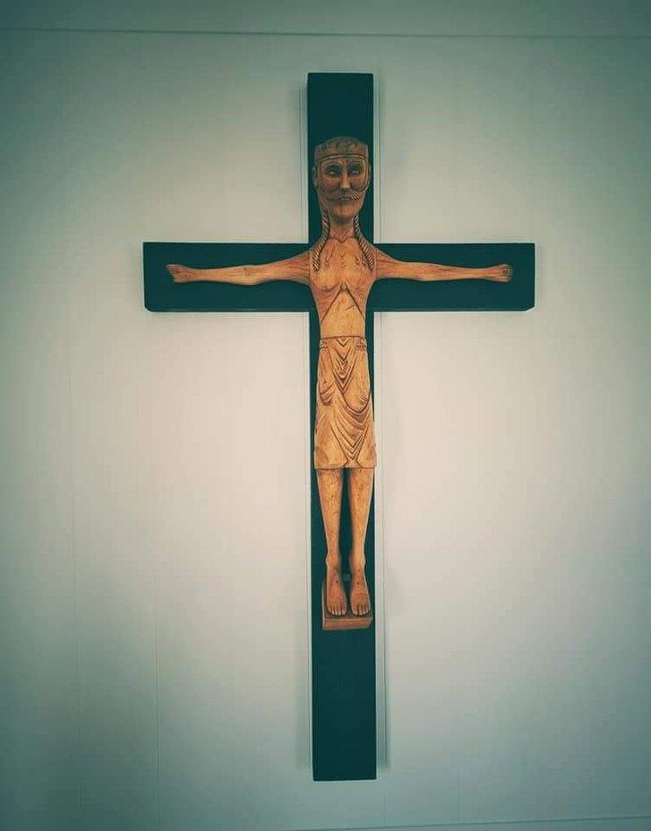 Український художник оздобив в Ісландії церкву_8