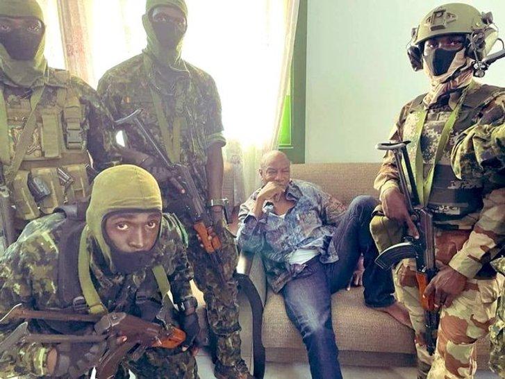 Військові захопили владу у Гвінеї_1