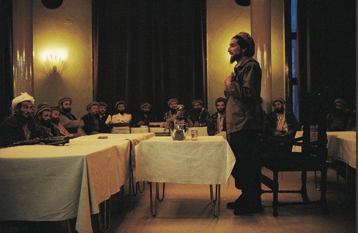 Массуд виступає перед командуванням Північного альянсу (літо 1999-го)