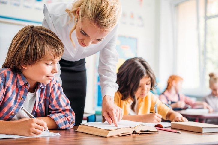 Завжди на передовій у вихованні нового покоління: У першу неділю жовтня святкуємо День Вчителя_1