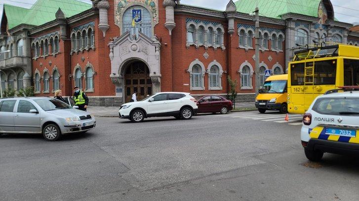 ДТП на перехресті вулиць Ляхова та Соборності